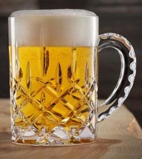Bierkrug aus Kristallglass