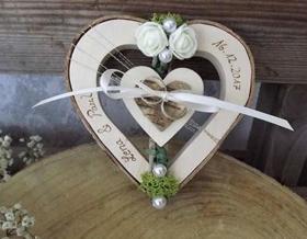 Geschenke zur Hochzeit Holzherz mit Gravur