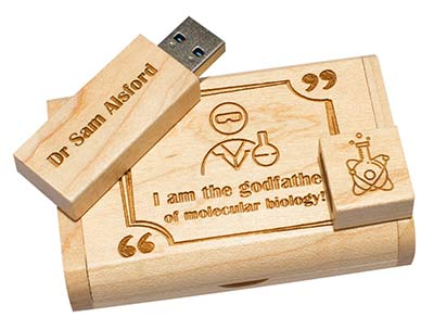 Holz-USB-Stick mit Gravur