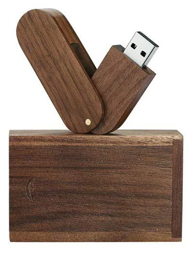 Klappbarer Holz-USB-Stick