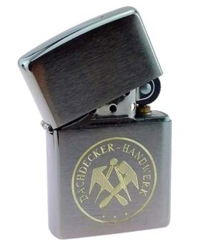 Zippo-Feuerzeug mit Dachdecker-Zunftwappen